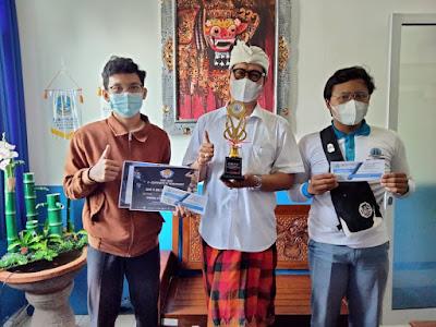 Borong Piala di Bulan Februari, SMK TI Bali Global Badung Berikan Beasiswa Prestasi Kepada 11 Siswa Berprestasi