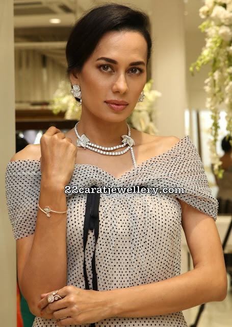 Sonalika Sahay Solitaire Diamond Choker