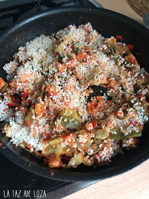 Arroz con verduras y tomate