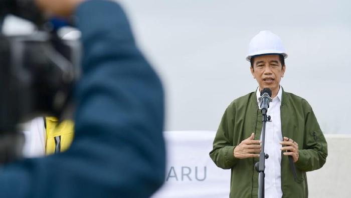 Tinjau Tol Trans Sumatera, Jokowi Sebut Provinsi Padang, Emangnya Ada Ya?