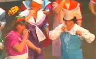 """Pasodoble con Letra """"A ti que das los puntos para el diario"""". Chirigota """"Los Santos Inocentes"""" (1990)"""