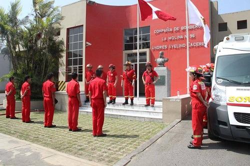 Estación de Bomberos Voluntarios La Molina - Andrés Avelino Cáceres Nº 96
