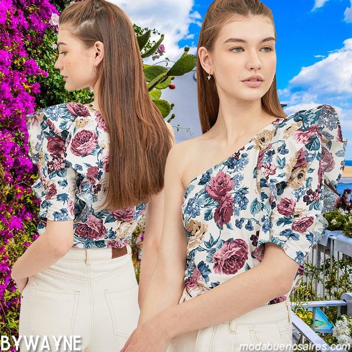 Blusas con volados en un hombro moda verano 2021