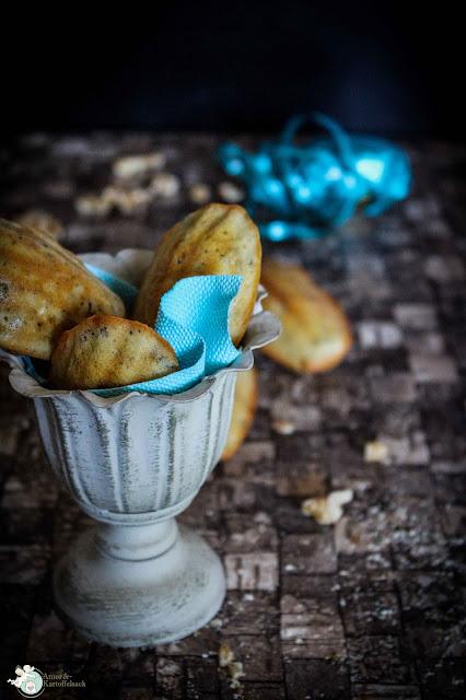 Fingerfood mit Gorgonzola und Walnüssen