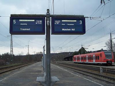 Videokamera Traunstein Bahnhof Gleis 3 und 5
