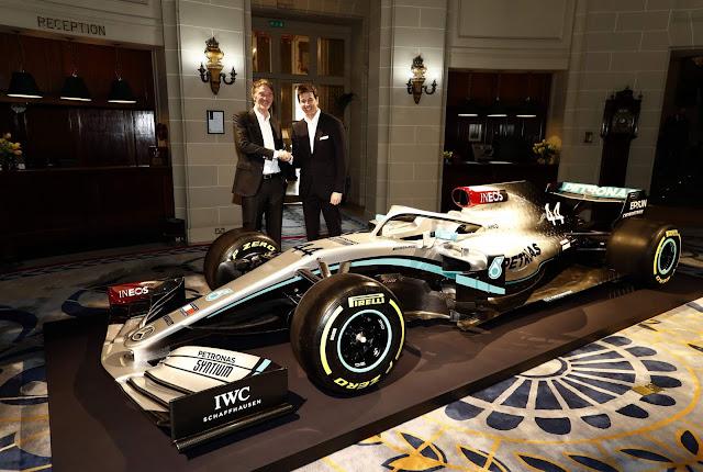 Mercedes AMG W11 2020 de Fórmula 1 tem pintura revelada
