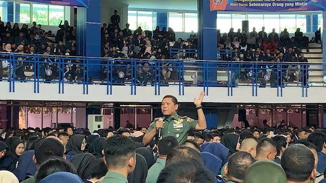 Dankodiklatad Letjen TNI AM Putranto Berikan Kuliah Umum di Kampus Polinema Malang