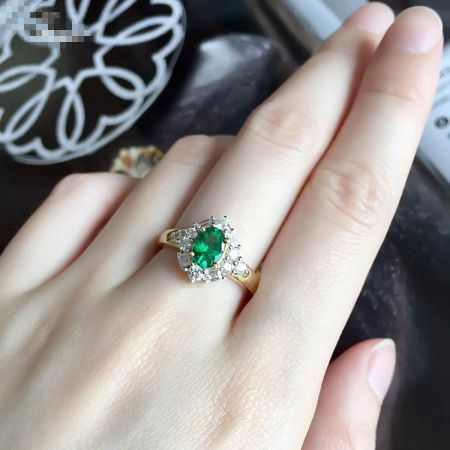Green emerald: The stone empowering planet Mercury