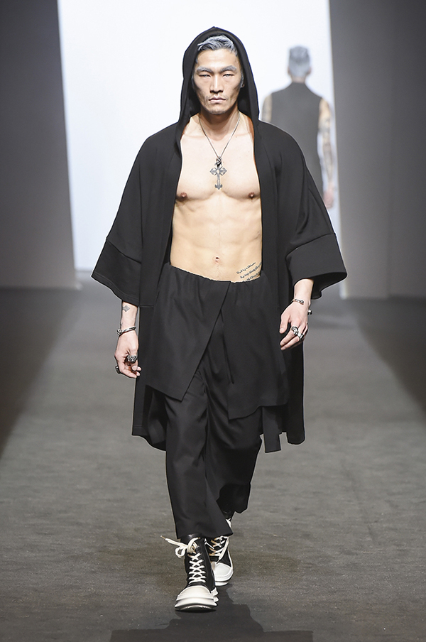 Seoul Fashion Week Make Up Artist