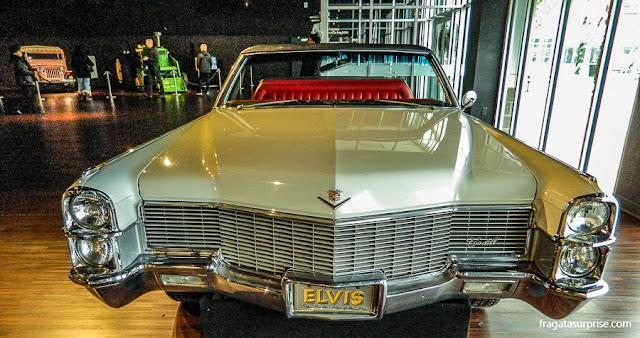 Cadillac que pertenceu a Elvis Presley no Museu de Graceland