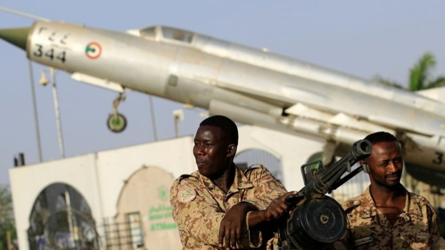 الجيش السوداني يرسل تعزيزات عسكرية الي منطقة الحدود