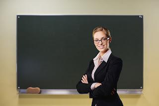 台北市之補習班申請立案、負責人或位置變更:台北市政府就補習班之立案申請,為求確定設立人是否確實有補習班所在地之使用權(班舍使用權),於立案時會要求提供租賃契約,且該租賃契約並需經過公證,另外如設立人有兩人以上,於立案時亦會要求提供經公證之合夥契約。
