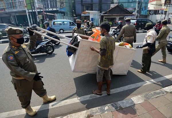 Ekonom: PSBB Diterapkan, Indonesia Bisa Bertahan dari Resesi