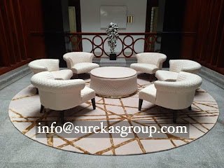 round hand-tufted rug in wool and bamboo silk