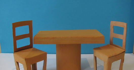 Shoebox kitchen - table and chairs