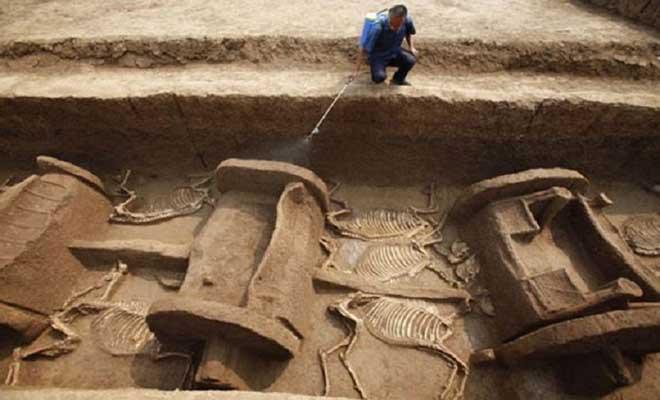 Συγκλονιστική ανακάλυψη! Βρέθηκαν άρματα ηλικίας 4.000 χρόνων…