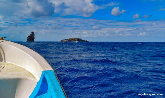 Navegação aos motu da Ilha de Páscoa