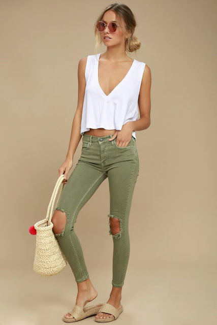 Free-style-skinny-olive-jeans-white-top