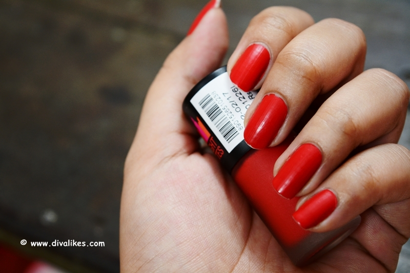 Maybelline New York Color Show Bright Matte Nail Polish Blazing