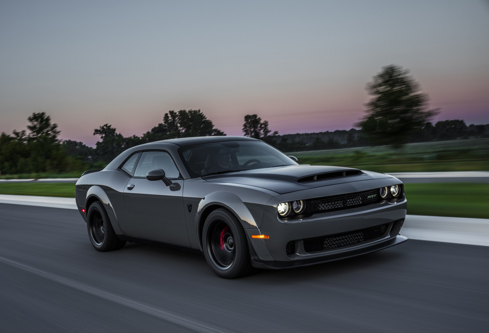 dodge begins shipping the 2018 challenger srt demon carscoops. Black Bedroom Furniture Sets. Home Design Ideas