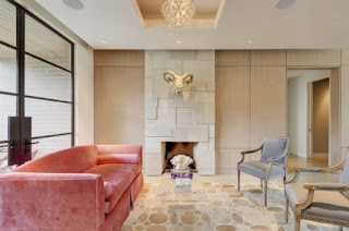 sala sofá rosa