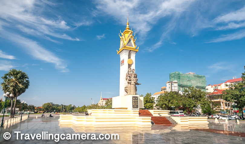 The Independence Monument in Phnom Penh city was built in 1958 to memorialize Cambodia's independence from France in 1953. It stands on the intersection of Norodom Boulevard and Sihanouk Boulevard in the centre of the city.