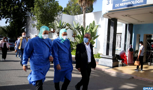 """الدارالبيضاء... مديرية الصحة  تدخل على خط فيديو """"فضيحة الطبيبة والسكيريتي المرتشيان"""" بمستشفى محمد الخامس"""