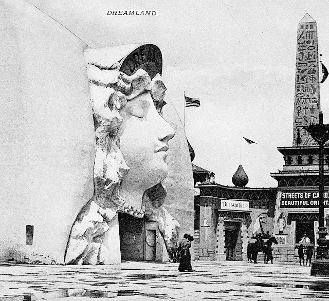 a photograph of Dreamland at the 1901 Buffalo Expo Midway