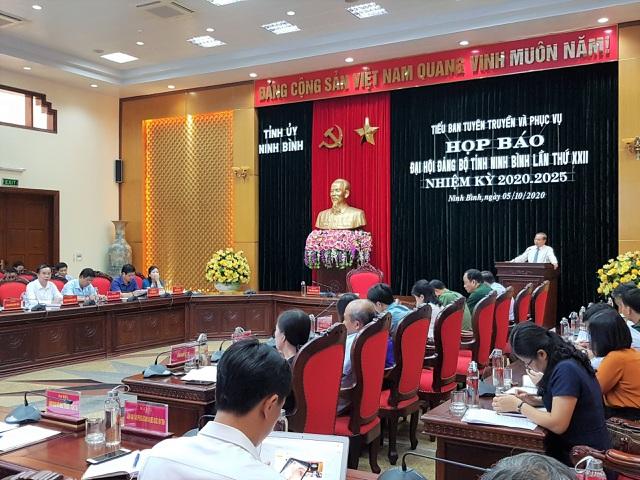 Ninh Bình chi 1 tỷ đồng mua cặp cho đại biểu, không tặng quà khách mời