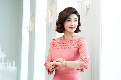 sesudah terapi kombinasi wonjin baby face v-lifting untuk wanita usia 50an 02