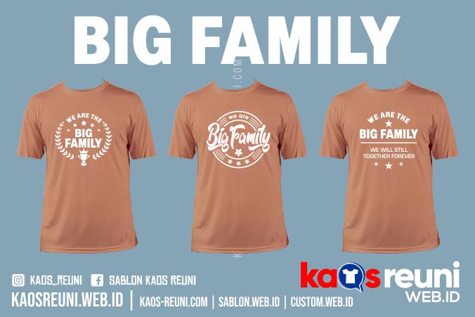 Kaos We Are Big Family Coklat Lengan Pendek - Sablon Kaos Reuni Gathering
