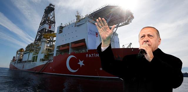 Ερντογάν: «Όποιος απλώσει χέρι στην πατρίδα μας, θα του το σπάσουμε»