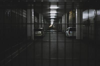 地下駐車場のゲートのイメージ