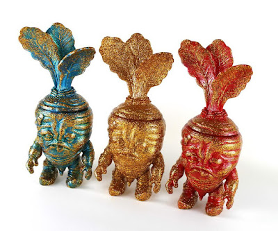 Golden Deadbeet Vinyl Figures by Scott Tolleson