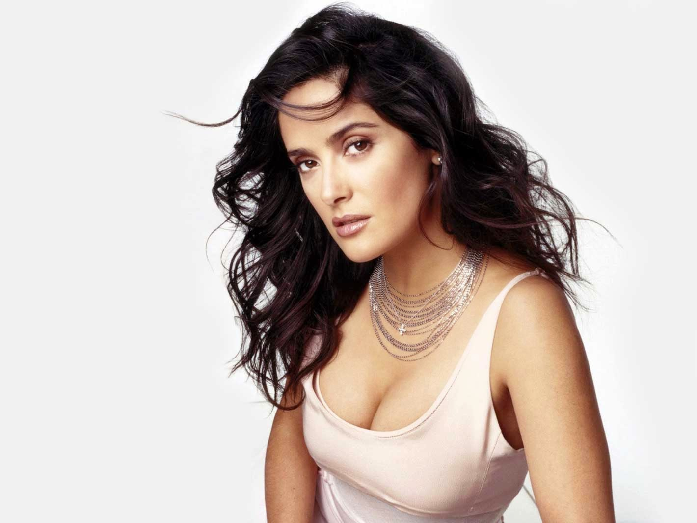 Gorgeous Salma Hayek Wallpaper