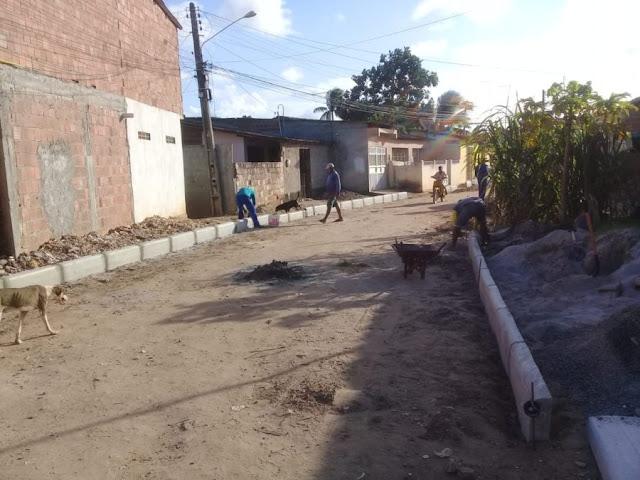 Prefeitura inicia obras de pavimentação em Povoação de São Lourenço