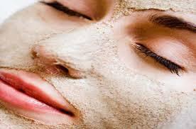 خلطة فعالة لتسمين الوجه والخدود بالحلبة والخميرة