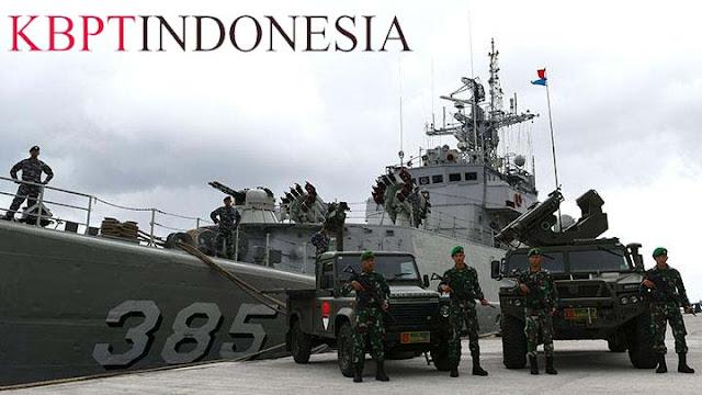 Kapal Perang TNI AL Siaga Di Perairaan Natuna
