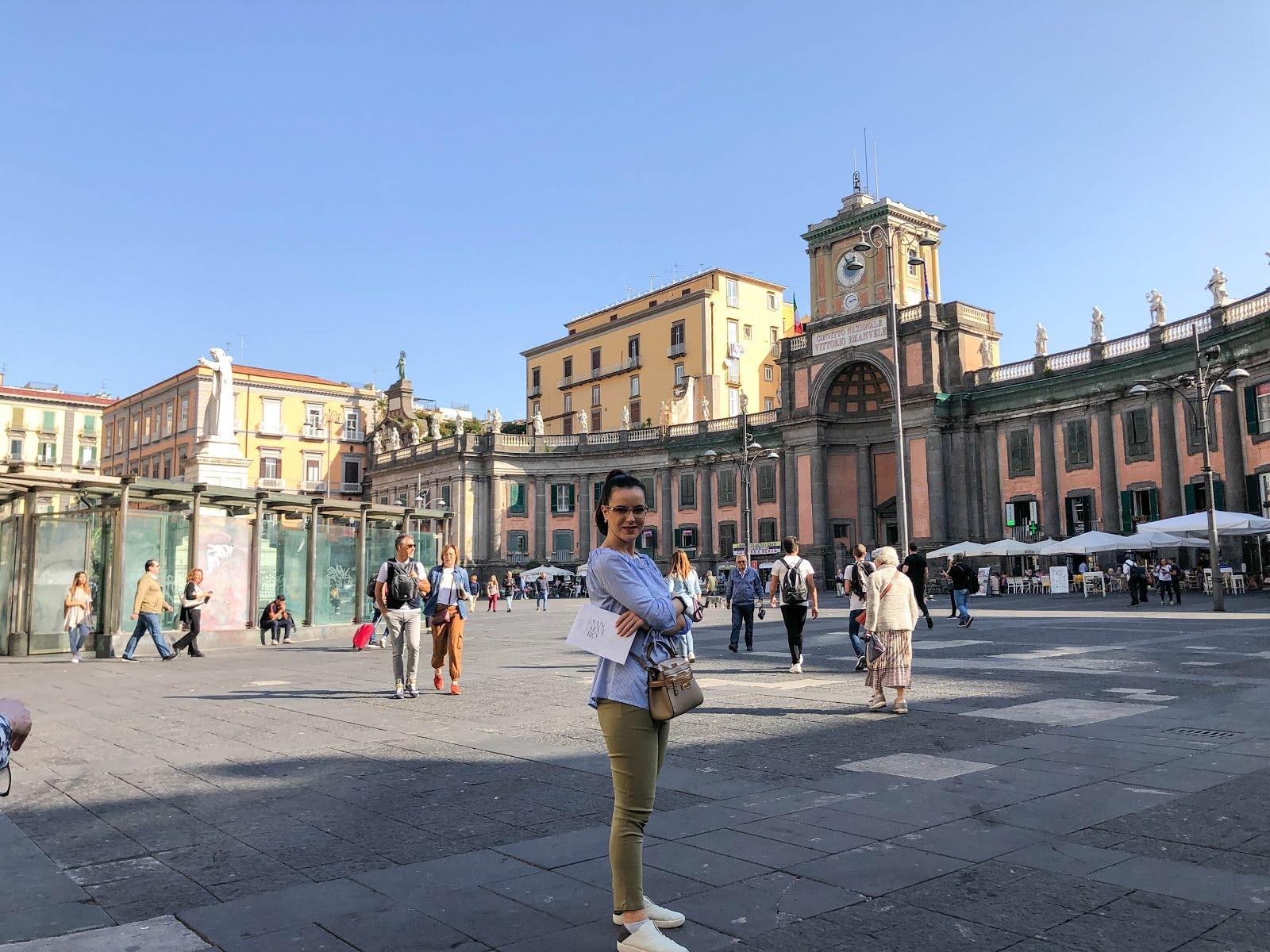 Convitto Nazionale, Piazza Dante