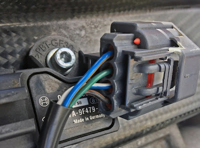 Picture of wiring of rear of airflow sensor connection block