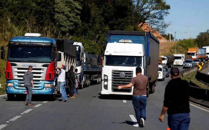 Caminhoneiros iniciam protestos após decisão de Fux contra tabela do frete