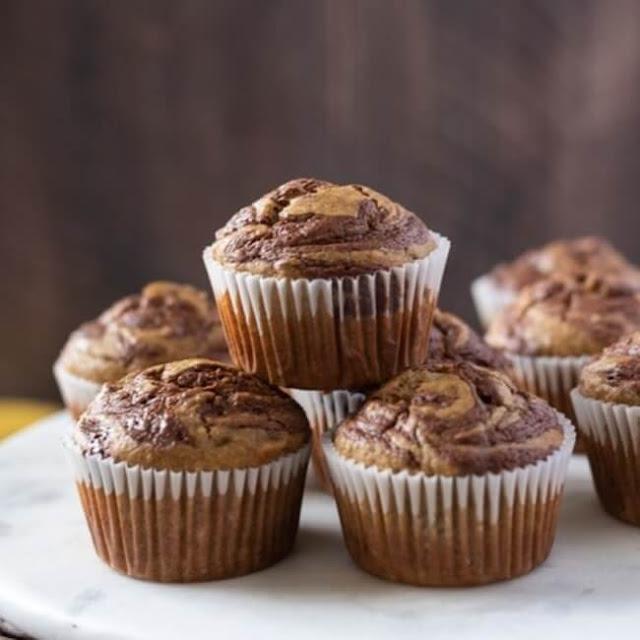 Muffin Fit de microondas de chocolate com banana
