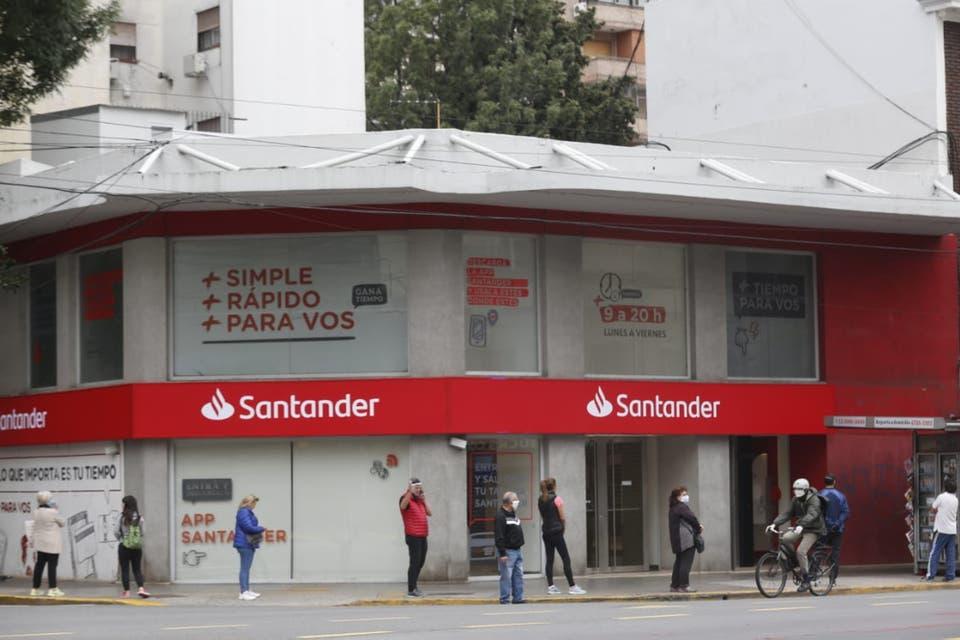 Cuarentena extendida: Los bancos seguirán funcionando con el esquema de atención con turno