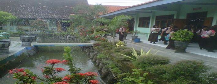 Taman Kolam Green House