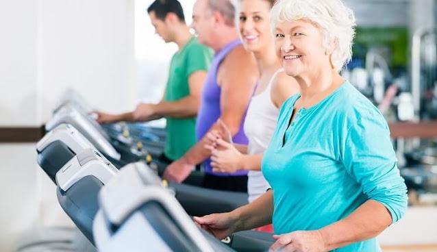 فوائد تمرين المشي لكبار السن