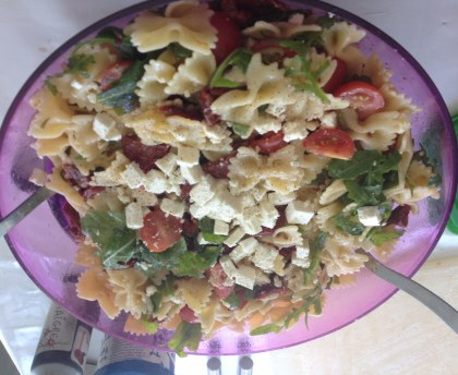 Quick and colourful pasta salad for picnics