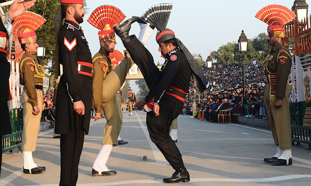 Indian & Pakistani soldier in a combined ceremony on wahga border