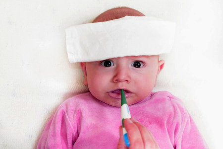 cara mengobati demam pada bayi 6 bulan