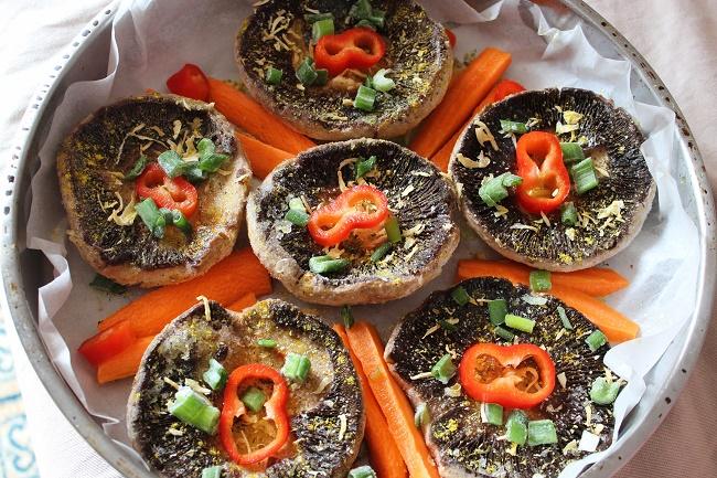 Μανιτάρια πορτομπέλο φούρνου με λαχανικά και πουρέ νηστίσιμο... η χαρά του χορτοφάγου