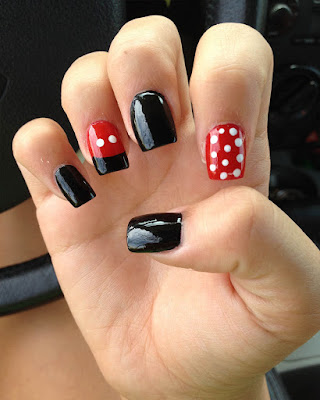 Uñas gelish Mickey Mouse